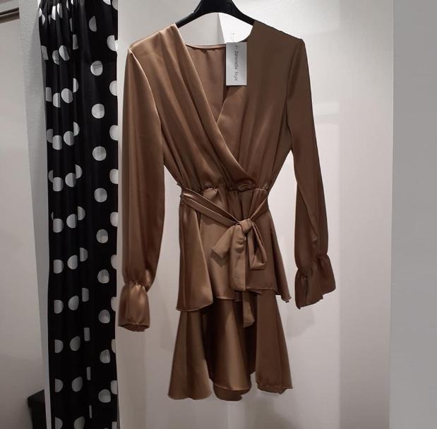 dress-with-flounces