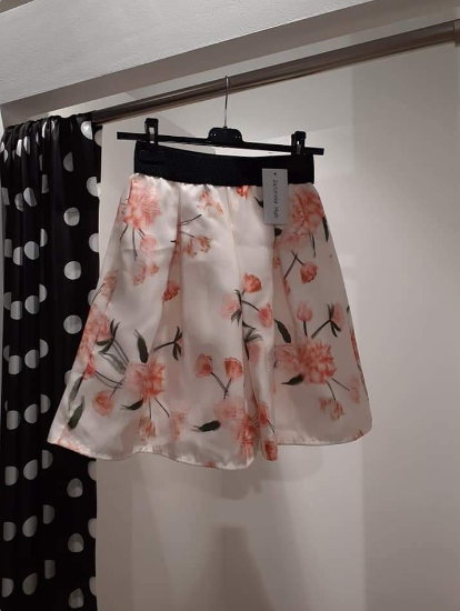 skirt-with-flowers