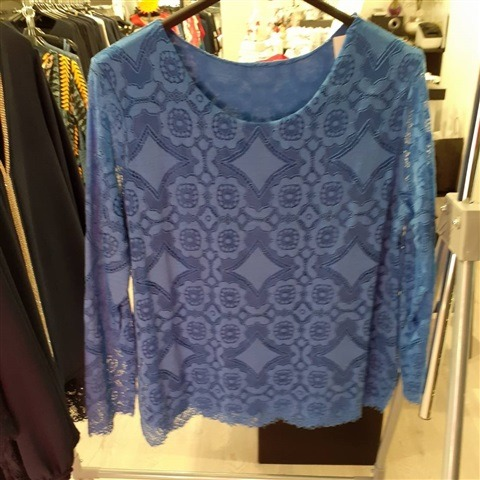 lace-t-shirt