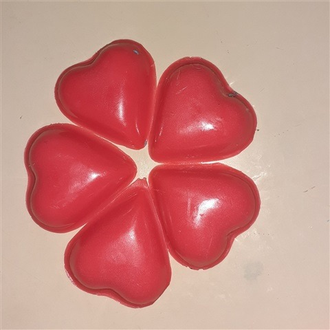 opaque-four-leaf-clover-heart-soap-vanilla